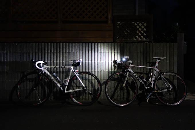 家を出たのは6時前。まだ真っ暗ですが,意外と寒くない(^^)