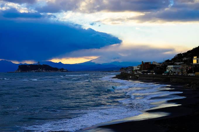 雲が厚くて,夕日は見られなさそう・・・。