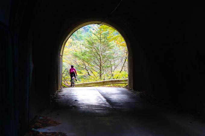 裏ヤビツで一番小さいけど、一番好きなトンネル。