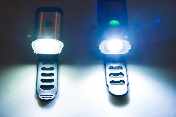 明るさも持続時間もBYBLIGHTが上。着脱しやすさは同じですから、慣れればいいライトです。