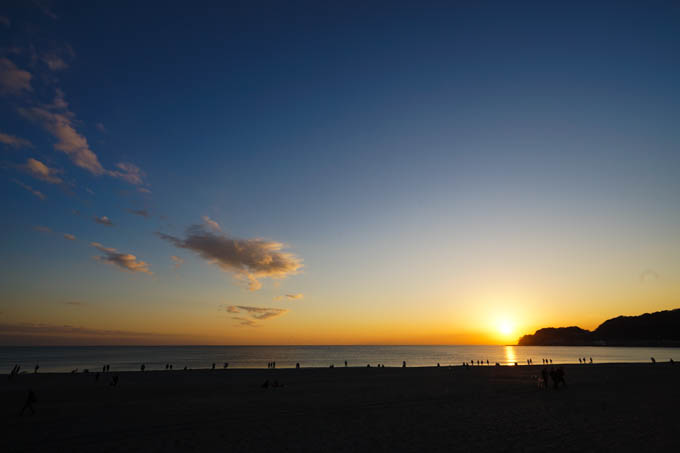 由比ガ浜。陽が落ちる~