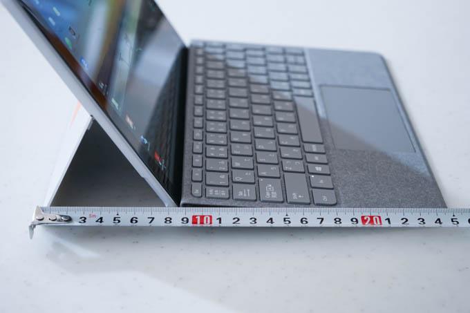 Surface Goなら、奥行きは25cmくらいで大丈夫。