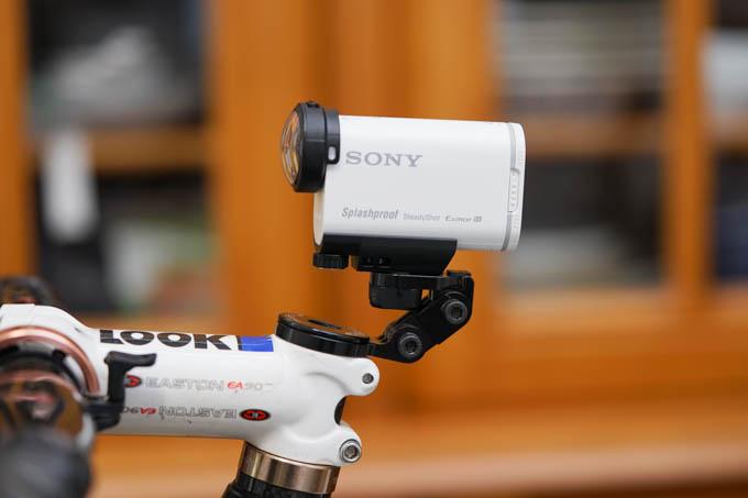このカメラ部分だけで、ものすごい重さと空気抵抗なんだよ。