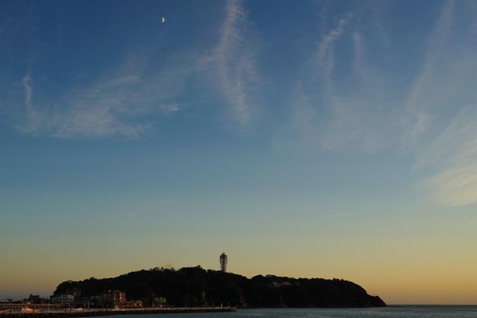 江の島。冬は、もっとキリッとした風景になります。