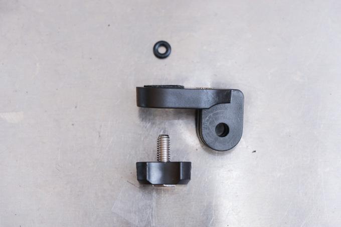 M5ボルト、ゴムリングで組み直す。
