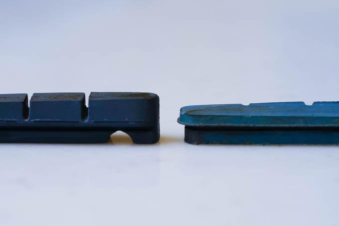 左が新品R55C4。すごい厚みの差です・・・!