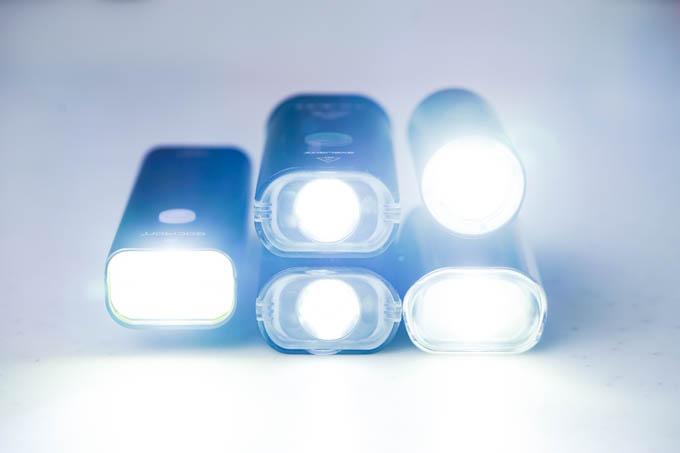 全員点灯! 最近使っている主力ライトたち。