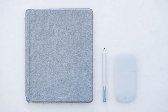 Surface GO、ペン、マウス。最小お仕事セット。