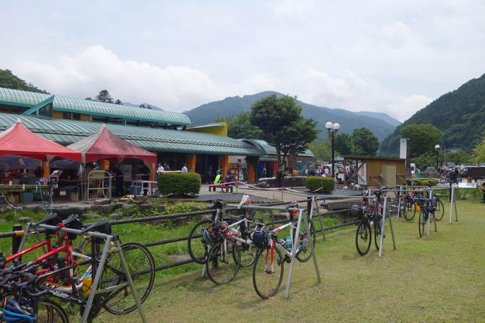 道の駅「どうし」。自転車も多く来ていましたが、自動二輪は膨大な数来ていました。