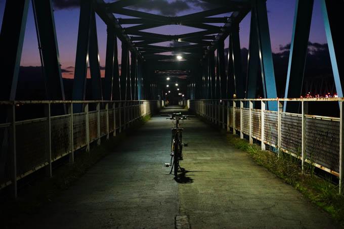 味のある鉄橋(自転車・人専用)もありました。