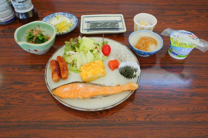 朝ごはんも、安心の和食。おいしかった~