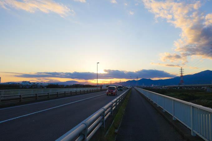 夕方4時ごろ、相模川を渡る。無事に明るいうちに帰ってこれました。