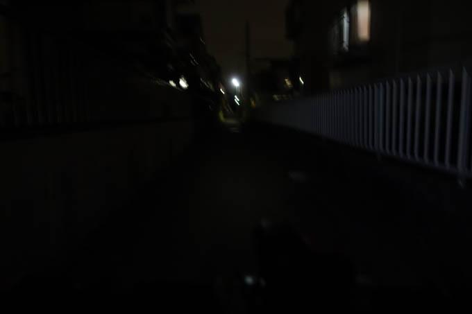 無灯火の状態。ほぼ真っ暗。
