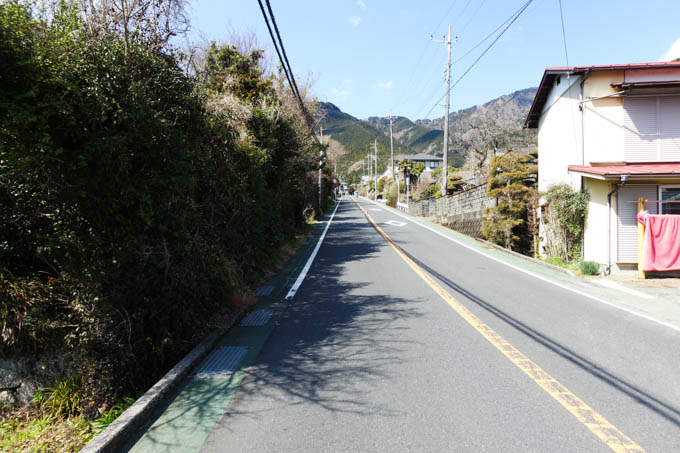 あぁ~、久しぶりに見た、この坂(^^)