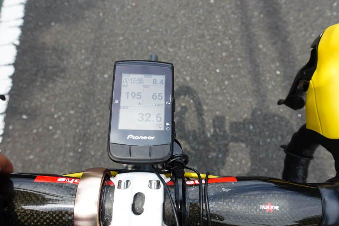 走り始めても、標高が高くなるまではずっと30℃以上でした。