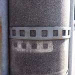 【つぶやき】 セクシー電柱 (発見場所:逗子海岸)