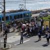 江ノ電の鎌倉高校前駅の周辺が大変なことに・・・!