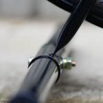 よ,弱すぎる・・・。 アイリスオーヤマのバイクスタンド,BYS-1